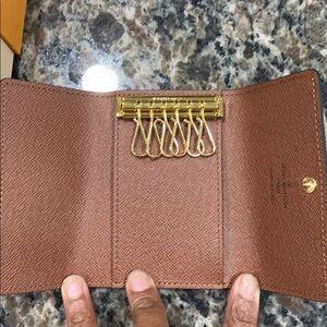 Louis Vuitton Bags - Authentic Brand new Louis Vuitton 6 Key Holder